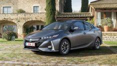 En çevreci otomobil Toyota Prius Plug-in Hybrid