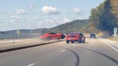 Corvette ve Mustang'in Yarışı Kısa Sürdü
