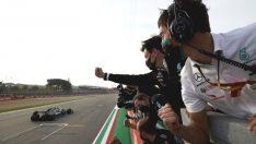 Mercedes-AMG Petronas Geliyor!