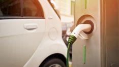 Elektrikli Araç Almayı Düşünenler Şarj Üniteleri Bulamamaktan Endişeli
