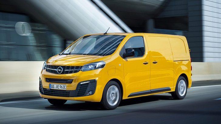 Yeni Opel Vivaro-e'nin Ödülü Michael Lohscheller'e Takdim Edildi!